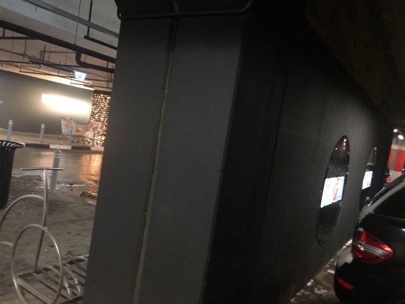 Черная матовая эмаль - Паркинг в ТЦ Вегас