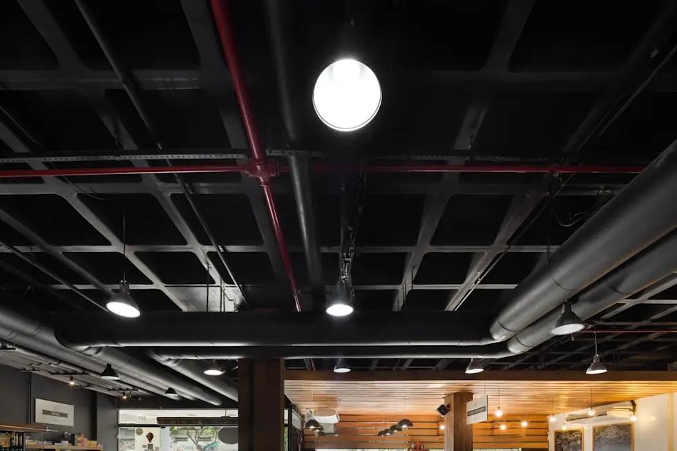 Чёрная краска для окраски потолков и воздуховодов