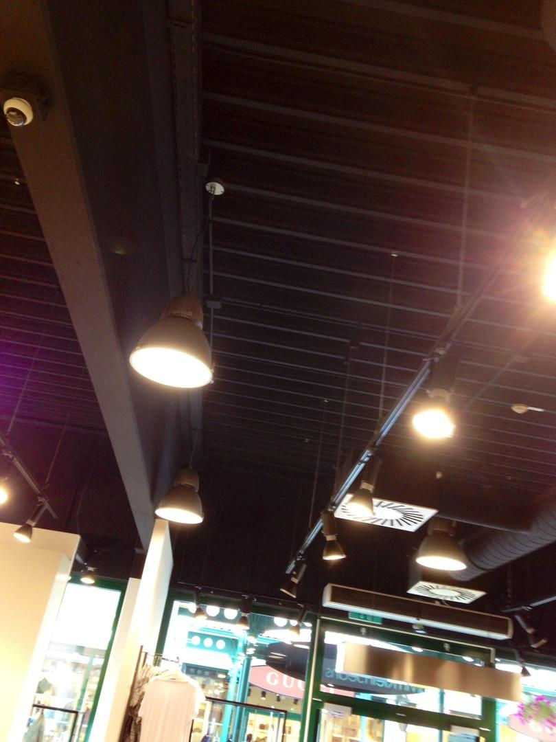 Чёрная для окраски бетонных потолков и стен