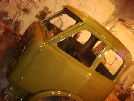 Кузов автомобиля окрашенный алкидной быстросохнущей эмалью ЗАО АЛЬП ЭМАЛЬ